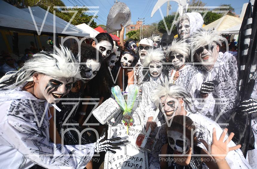 BARRANQUIILLA -COLOMBIA-18-FEBRERO-2015. Con la muerte de Joselito Carnaval termina el Carnaval de Barranquilla, por eso desde los reyes infantiles, la reina y todos los barranquilleros hicieron una despedida para cerrar las festividades carnavales del presente a–o. /   With the death of Joselito Carnaval  ending Carnaval de Barranquilla , so from infant king, queen and all barranquilleros made a farewell to close the carnival festivities this year.Photo:VizzoImage / Alfonso Cervantes / Stringer