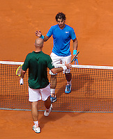 30-05-11, Tennis, France, Paris, Roland Garros , Rafael Nadal wordt gelukgewenst door Ljubicic