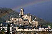 Europe/France/Auvergne/12/Aveyron/Estaing: Le village et le Château d'Hauterive (XVeme)