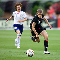 Heather O'Reilly (9) of the USWNT sprints upfield during the game at WakeMed Soccer Park in Cary, NC.   The USWNT defeated Japan, 2-0..