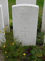 Resting place of a lost hero of Dunkirk finally found more than 80 years later.