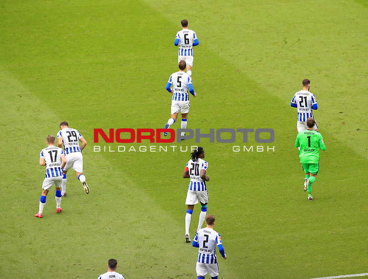 17.10.2020, OLympiastadion, Berlin, GER, DFL, 1.FBL, Hertha BSC VS. VfB Stuttgart, <br /> DFL  regulations prohibit any use of photographs as image sequences and/or quasi-video<br /> im Bild Dedryck Boyata (Hertha BSC Berlin #20)<br /> <br />     <br /> Foto © nordphoto /  Engler