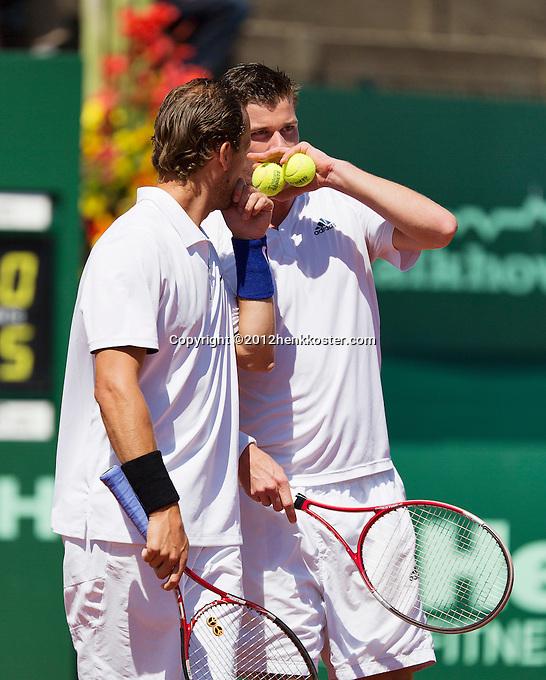 15-07-12, Netherlands,Tennis, ITS, HealthCity Open, Scheveningen, Boy Westerhof and Antal v/d/ Duim(R)