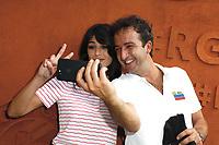 Cyrille Eldin et sa compagne Sandrine Calvayrac -Célébrités a Roland Garros-2 juin 2017 -Paris Roland Garros