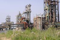- Pioltello (Milano), l' ex area industriale della SISAS;  l'azienda, oggi fallita, nel corso degli anni ha depositato nel terreno parecchie centinaia di migliaia di tonnellate di rifiuti tossici e variamente nocivi<br /> <br /> - Pioltello (Milan) , the former industrial area of SISAS; the company, now bankrupt, over the years has hided in the ground several hundred thousand tons of toxic and harmful wastes