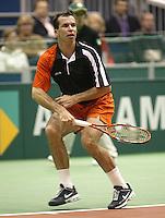 23-2-06, Netherlands, tennis, Rotterdam, ABNAMROWTT,Radek Stepanek in action against Fabrice Santoro