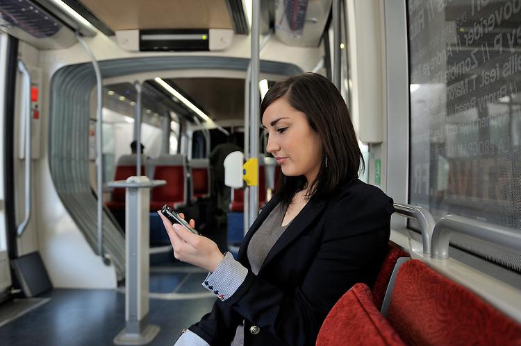 Véolia - Accès Tramway Téléphone Mobile B-Pass - Nice