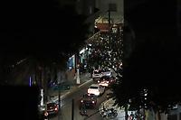SÃO PAULO, SP, 06.06.2021 - CORONAVIRUS-SP - Grupo enorme de pessoas se aglomeram, descumprindo as orientações do governo de São Paulo para prevenção da propagação da pandemia de coronavírus COVID-19, na esquina das ruas Frei Caneca e Peixoto Gomide, no bairro da Consolação, região central de São Paulo, na noite deste domingo, 6. (Foto Charles Sholl/Brazil Photo Press)