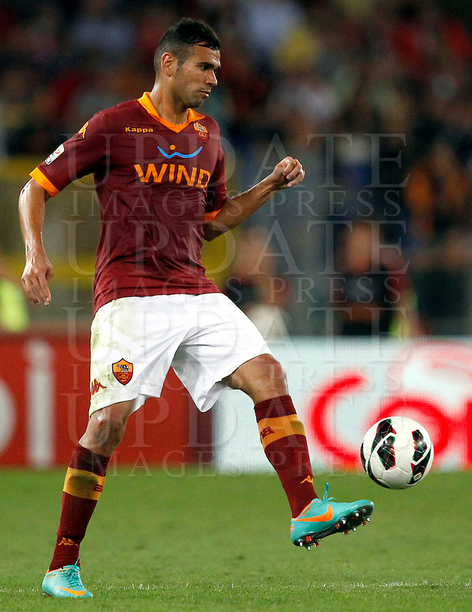 Calcio, Serie A: Roma vs Sampdoria. Roma, stadio Olimpico, 26 settembre 2012..AS Roma defender Leandro Castan, of Brazil, in action during the Italian Serie A football match between AS Roma and Sampdoria at Rome's Olympic stadium, 26 September 2012..UPDATE IMAGES PRESS/Isabella Bonotto