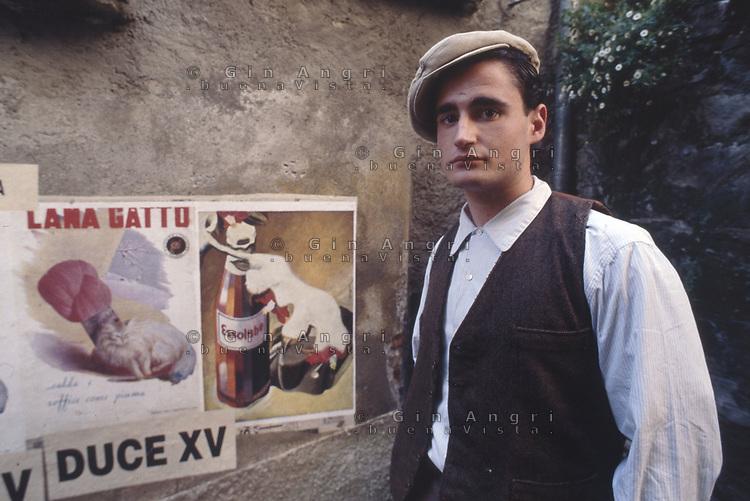 """periodo fascista sul set del film """"un mese al lago"""" """"a month by the lake"""" del regista John Irving"""