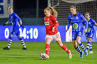 Standard forward Davinia Vanmechelen (25) and Gent's defender Fran Meersman (5) pictured during a female soccer game between  AA Gent Ladies and Standard Femina de Liege on the 8 th matchday of the 2020 - 2021 season of Belgian Scooore Womens Super League , friday 20 th of November 2020  in Oostakker , Belgium . PHOTO SPORTPIX.BE | SPP | STIJN AUDOOREN