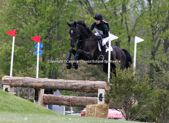 April 24, 2021: #41 QC Diamantaire and rider Sydney Elliott in the Cross Country test at the Land Rover Three Day Event at the Kentucky Horse Park in Lexington, KY on April 24, 2021.  Candice Chavez/ESW/CSM
