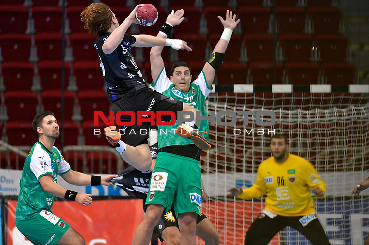 21.11.2020, Duesseldorf, ISS Dome, GER, 1.Liqui Moly HBL,  BHC06 vs. Fuechse Berlin<br /><br />1.Liqui Moly HBL  regulations prohibit any use of photographs as image sequences and/or quasi-video<br />im Bild Lucas Stutzke ( BHC #39 ) .<br /><br /><br />Foto © nordphoto / freund *** Local Caption ***