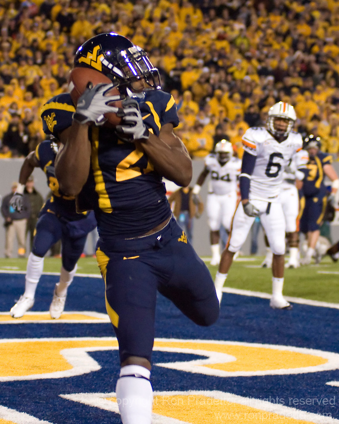 October 23, 2008: WVU wide receiver Dorrell Jalloh makes a 2-yard touchdown reception.  The West Virginia Mountaineers defeated the Auburn Tigers 34-17 on October 23, 2008 at Mountaineer Field, Morgantown, West Virginia.