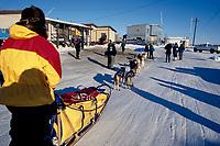 T Willis Arriving in Galena 2000 Iditarod AK