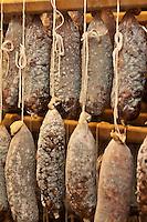 Europe/France/Midi-Pyrénées/12/Aveyron/Aubrac/Laguiole:: Saucisson sec maison pur porc de la Maison Conquet -  Lucien Conquet Boucher Charcutier