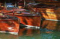 Europe/France/Rhône-Alpes/74/Haute-Savoie/Annecy: Canots en acajou sur les bords du lac