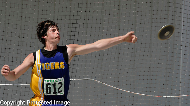Inertia Photo/Dick Kettlewell:  New Underwood's Alex Anderson -- Discus