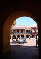 CARTAGENA-COLOMBIA-09-01-2013. Pasaje en la Ciudad de Cartagena de Indias, Colombia. Passage in the city of Cartagena de Indias, Colombia. (Photo: VizzorImage)........