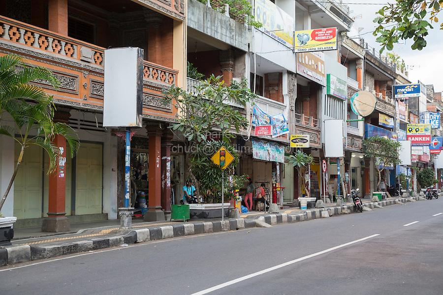 Bali, Indonesia.  Street Scene, Klungkung, Semarapura.