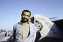 Irak 1991  Kala Diza en ruines  dynamitée par l'rmée irakienne  Iraq 1991 Among the ruins of Kala Diza, dynamited by the iraqi army