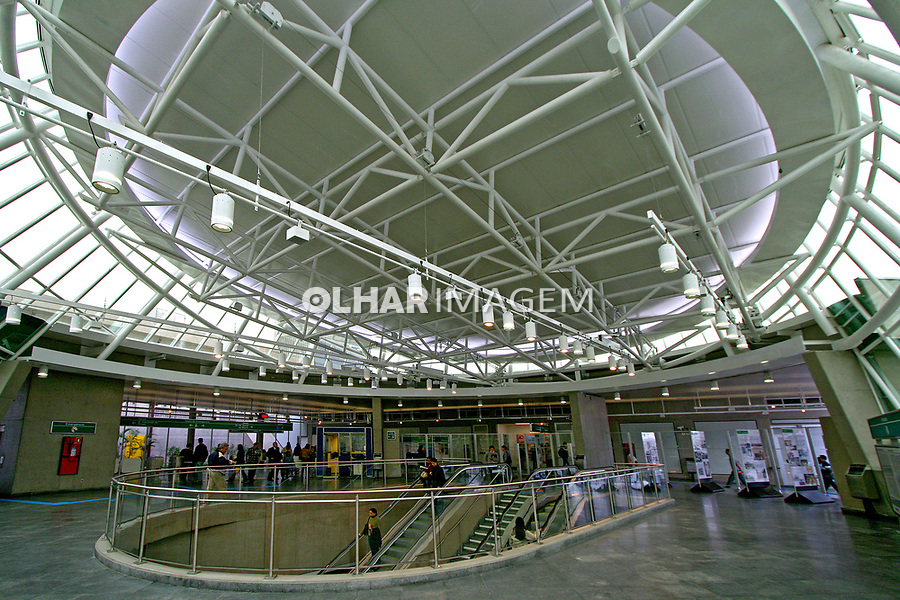 Estação do metro Alto do Ipiranga. São Paulo. 2007. Foto de Flávio Bacellar.
