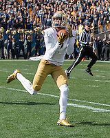Notre Dame wide receiver Will Fuller makes a 47-yard touchdown reception in the first quarter.  The Notre Dame Fighting Irish football team defeated the Pitt Panthers 42-30 on Saturday, November 7, 2015 at Heinz Field, Pittsburgh, Pennsylvania.