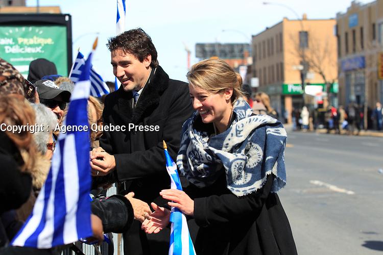 Justin Trudeau et Melanie Joly au defile de la Fete national grecque<br /> , le 29 mars 2015<br /> <br /> PHOTO :  Agence Quebec Presse