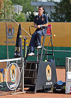 August 13, 2014, Netherlands, Raalte, TV Ramele, Tennis, National Championships, NRTK, Umpire Jeffrey Geurtntjens (NED)<br /> Photo: Tennisimages/Henk Koster