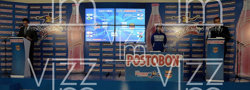 BOGOTÁ -COLOMBIA, 20-04-2014. Aspecto del sorteo de los Cuartos de Final de la Liga POstobón I 2014 realizado en el estadio Metropolitano de Techo en Bogotá./ Aspect of the raffle for the quarterfinals of the Postobon League I 2014 at Matropolitano de Techo stadium in Bogota city. Photo: VizzorImage/ Gabriel Aponte / Staff