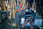 Cozinha com fogão a lenha, Redenção. Pará. 1980. Fotos de Juca Martins.