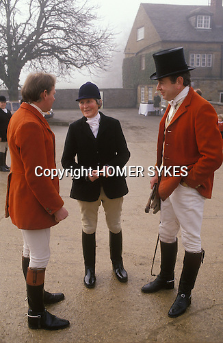 Nether Worton, Oxfordshire. 1991<br /> Hosting the The Heythrop Hunt Meet at her family home, Nether Worton House the Hon Mrs Lorna Schuster with hunting friends celebrates her birthday.  She was England's oldest huntswoman and still rode out twice a week at the age of 97.