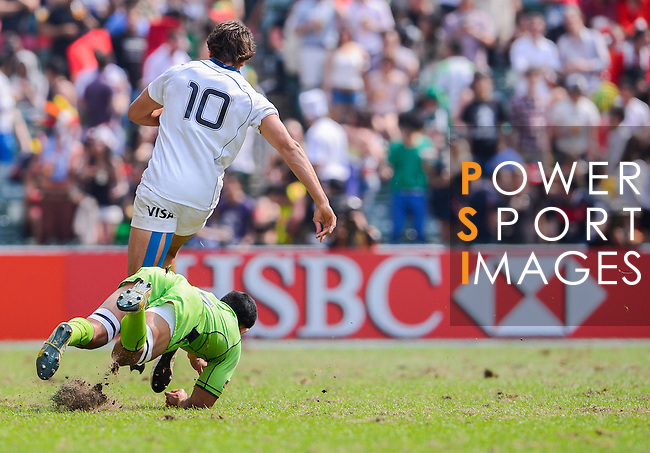 Argentina vs Australia on Day 3 of the 2012 Cathay Pacific / HSBC Hong Kong Sevens at the Hong Kong Stadium in Hong Kong, China on 25th March 2012. Photo © Victor Fraile / PSI for FastTrack HSBC