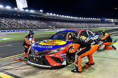 #19: Martin Truex Jr., Joe Gibbs Racing, Toyota Camry Bass Pro Shops / TRACKER ATVs & Boats / USO