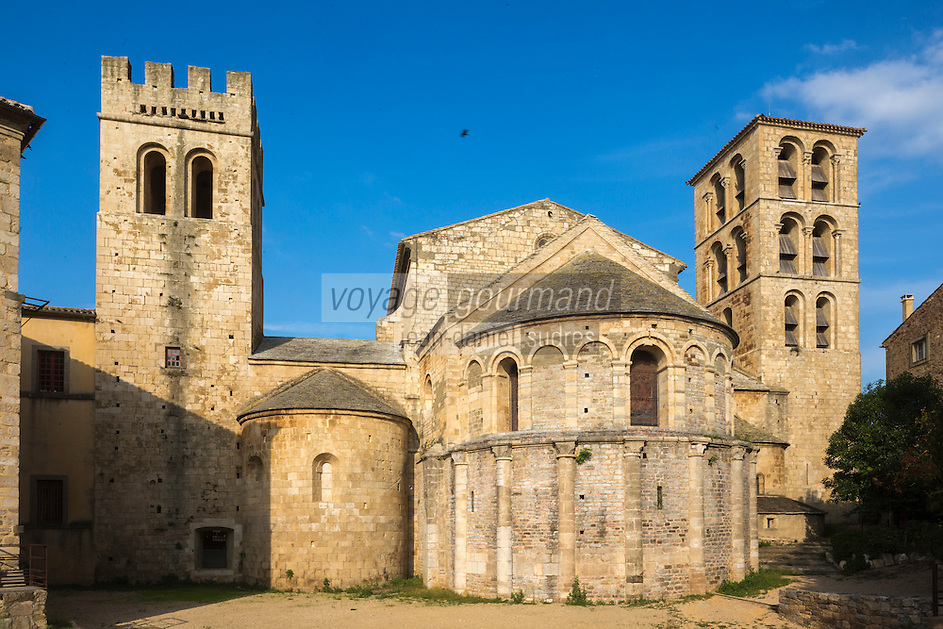 France, Aude (11), Caunes-Minervois: Abbaye de Caunes-Minervois , Le chevet  //France, Aude, Caunes Minervois, Caunes Minervois Abbey, apse
