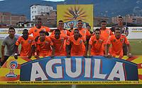 ENVIGADO -COLOMBIA, 01-09-2018: Jugadores de Envigado posan para una foto previo al partido Envigado FC y Deportes Tolima por la fecha 7 de la Liga Águila II 2018 realizado en el Polideportivo Sur de la ciudad de Envigado. / Players of Envigado pose to a photo prior the match Envigado FC and Deportes Tolima for the date 7 of the Aguila League II 2018 played at Polideportivo Sur in Envigado city.  Photo: VizzorImage/ León Monsalve / Cont