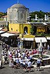 Griechenland, Dodekanes, Rhodos, Rhodos-Stadt: Platia Ippokratou in der Altstadt mit Brunnen, beliebtes Fotomotiv | Greece, Dodekanes, Rhodes, Rhodes-City: Platia Ippokratou at old town with fountain