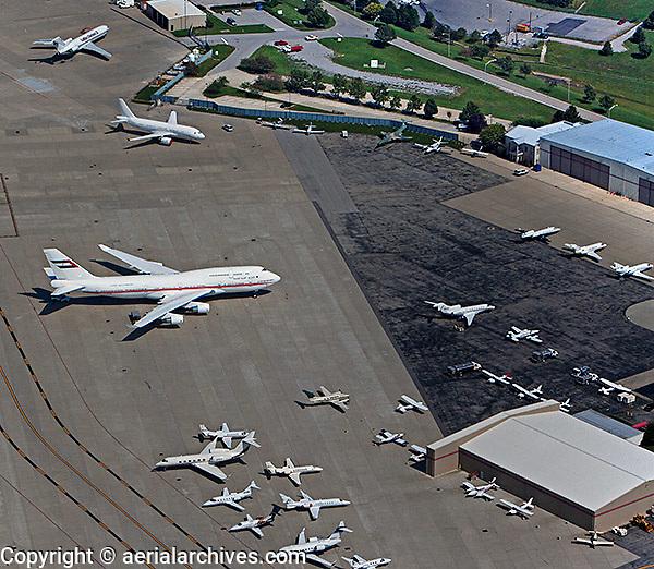 aerial photograph 747 Blue Grass Airport, LEX, Lexington, Kentucky