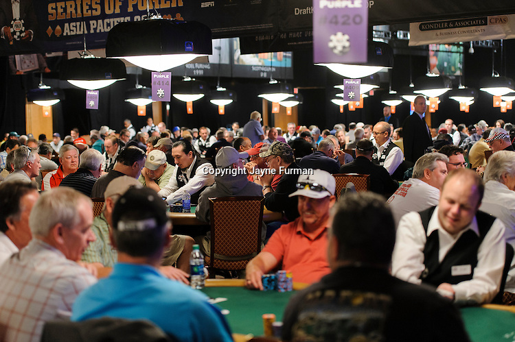 Players in Seniors Event return for Day 2