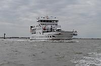 Fähre der Gesellschaft Frisia am Hafen von Norddeich - Norddeich 23.07.2020: Fahrt mit der Nordmeer zu den Seehundbänken