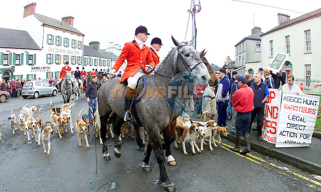 The Meath Hunt setting out from Kells in Co. Meath yesterday under the joint Masters Jan farrell and Andrew Boyd..Picture Fran Caffrey Newsfile...This Picture is sent to you by:..Newsfile Ltd.The View, Millmount Abbey, Drogheda, Co Louth, Ireland..Tel: +353419871240.Fax: +353419871260.GSM: +353862500958.ISDN: +353419871010.email: pictures@newsfile.ie.www.newsfile.ie