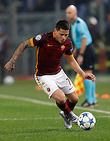 Calcio, Champions League: Gruppo E - Roma vs Bate Borisov. Roma, stadio Olimpico, 9 dicembre 2015.<br /> Roma's Juan Iturbe during the Champions League Group E football match between Roma and Bate Borisov at Rome's Olympic stadium, 9 December 2015.<br /> UPDATE IMAGES PRESS/Riccardo De Luca