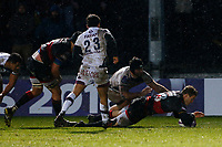 Pat Howard of Dragons scores his sides fourth try of the match during the European Challenge Cup match between Dragons and Bordeaux Begles at Rodney Parade, Newport, Wales, UK. 20 January 2018