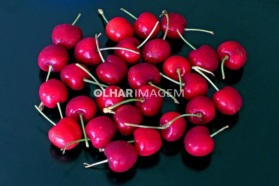 Alimentos. Frutas. Cerejas. Foto de Manuel Lourenço.