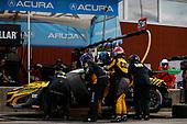 #57 Heinricher Racing w/Meyer Shank Racing Acura NSX GT3, GTD: Katherine Legge, Alice Powell, Pit Stop