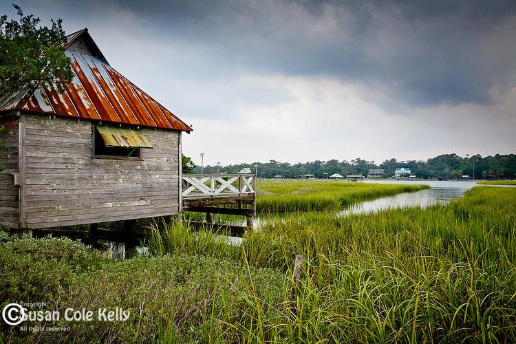 Pawleys Island fishing shack, Carolina coast, SC, USA