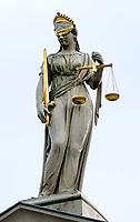 Nederland  Zutphen 2020. Beeld van Vrouwe Justitia. Gerechtsgebouw aan de Martinetsingel.   Foto : ANP/ HH / Berlinda van Dam