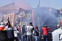 Arrival at the stadium of the bus of the Benevento Calcio team welcomed by the fans with banners and smoke bombs prior to the Serie A football match between Benevento Calcio and Udinese Calcio at Ciro Vigorito stadium in Benevento (Italy), April 25th, 2021. <br /> Photo Cesare Purini / Insidefoto