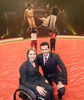 17-12-08, Rotterdam,Ahoy, ABNAMROWTT, Ester Vergeer en Richard Krajicek beiden toernooidirecteur van het a.s. ABNAMROWTT 2009 poseren in de piste van het Kerstcircus Ahoy in Rotterdam op de zelfde plek waar over slechts 8 weken de tennissterren, waar onder o.a. Rafael Nadal hun opwachting zullen maken. Esther is de kersverse toernooi directeur van het nieuwe rolstoeltennis tournooi dat voor het eerst in 2009 in Ahoy plaatsvindt