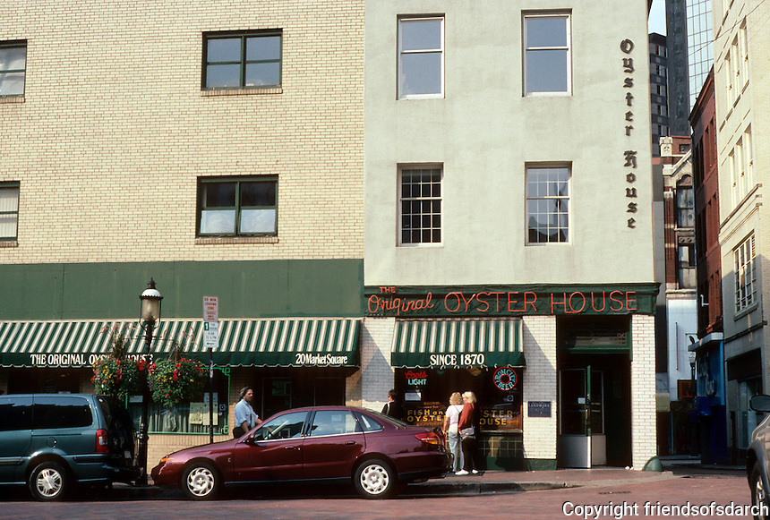 Pittsburgh: Market Square--The Oyster House. Market Square was the only open space in the 1784 Plan of City. Photo 2001.